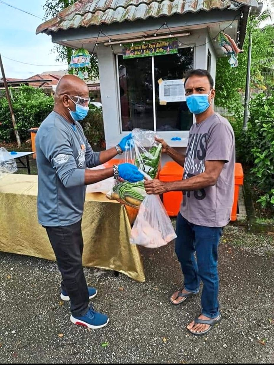 Koppalai ensures extra food items are packed for poor communities during the pandemic.