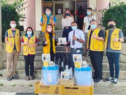 Twelve clubs donate essentials to Sibu Hospital