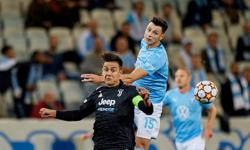 Soccer-Juventus off to winning Champions League start at Malmo