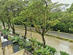 Flash flood at Bandar Utama takes over an hour to subside