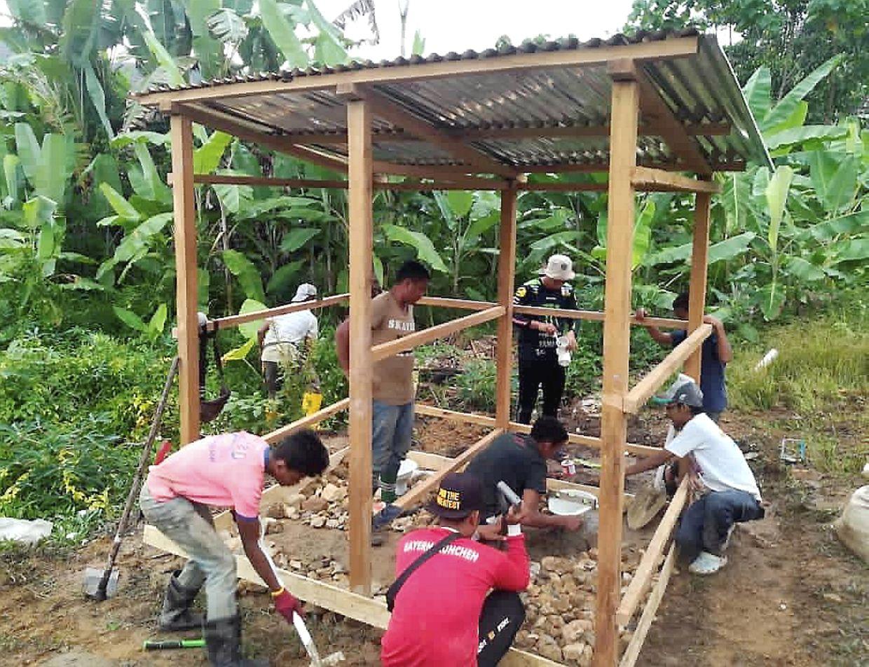 Orang Asli in Gua Musang preparing farming plots at their village.
