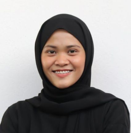 Ainur Bahirah says her experience as a volunteer allows her to see the hardship people have to go through during the pandemic.