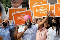 New Democrats' Singh looks to dance his way to role as Canada's kingmaker