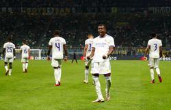 Soccer-Late Rodrygo strike earns Real Madrid win at Inter