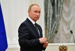 Putin to remain in COVID-19 isolation for days as dozens in entourage ill
