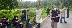 Thailand border patrol officers arrests Myanmar workers for illegal entry