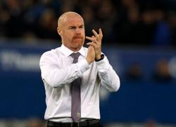 Soccer-Burnley manager Dyche extends contract to 2025