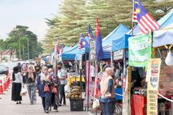 Local councils give temporary licences to stallholders