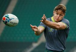 Rugby-Wallabies 'great' Hooper sets leadership standard for Australia