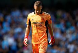 Soccer-No guarantees for Arsenal goalkeeper Leno, says Arteta
