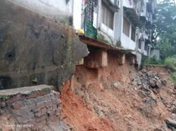10 families evacuated as erosion threatens block of flats