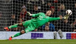 Soccer-I always wanted to play for Perth, says ex-Liverpool keeper Jones