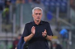 Soccer-Mourinho believes there is more to come from Roma despite perfect start