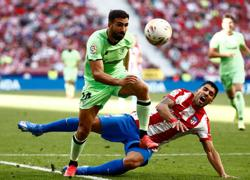 Soccer-Felix sees red as Atletico Madrid held by Athletic Bilbao