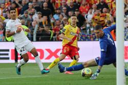 Soccer-Lens end 15-year wait to beat Lille in derby despite crowd trouble