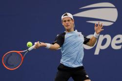 Tennis-Teen Ostapenkov stuns Schwartzman in Davis Cup