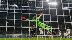 Soccer-Champions Inter back on top after hitting Bologna for six