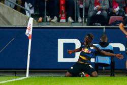 Soccer-Struggling Leipzig rescue draw at Cologne with second-half equaliser