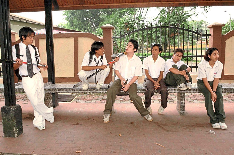 The original 2008 cast of 'theatre show Air Con' (from left) Zahiril Adzim, Amerul Affendi, Nicholas Liew Davis, Ahmad Firdaus Che Yahaya, Tengku Hazarul and Ryan Lee Baskaran. Photo: Filepic/The Star