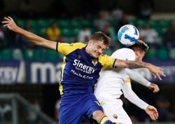 Soccer-Mourinho suffers first defeat as Roma boss at Verona