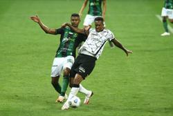 Soccer-Corinthians draw but extend unbeaten run to seven games
