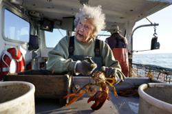 At 101, Virginia's still hauling lobsters and doesnt intend to stop