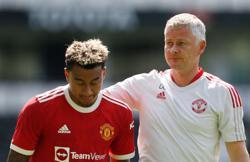 Soccer-Solskjaer happy with Lingard's response in West Ham win