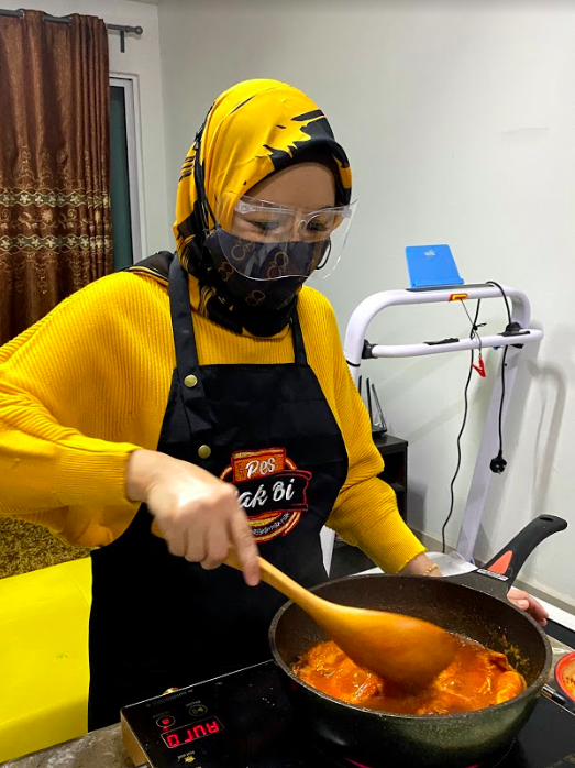 The enterprising single mother started her home-based food paste business with a capital of RM50. Photo: Bibiaminani Abdul Ghani