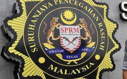 Three MACC officers detained