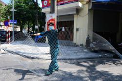 Non-essential services resume in Vietnamese capital with eased Covid-19 restrictions