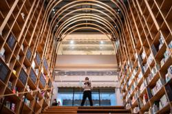 Haruki Murakami library unveiled at author's alma mater in Tokyo