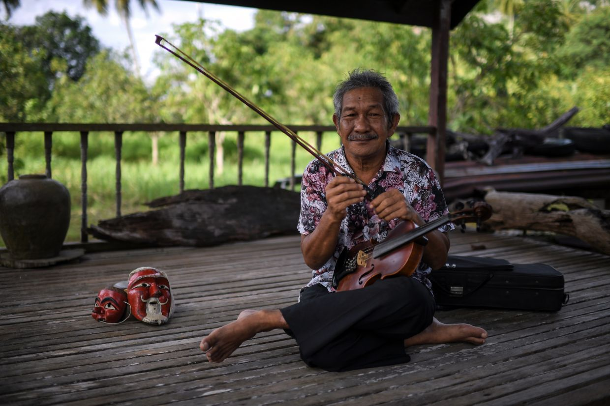 'The stories narrated by Awang Batil are not merely funny stories, but rather to educate the people,' says Ramli Mahmud.