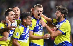 Soccer-De Ligt ends Juve wait for Serie A victory at Spezia