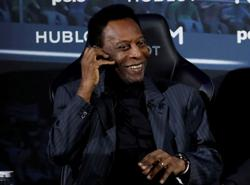 Soccer-Pele sings for Santos as recovery continues