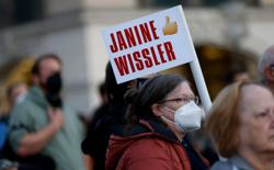 German conservatives raise spectre of far-left rule ahead of election