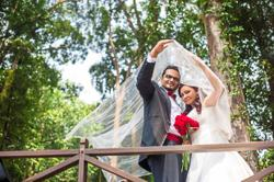 By working with the deaf, a Malaysian man communicates well with his deaf wife