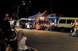 Titiwangsa residents uneasy over night stalls' operations