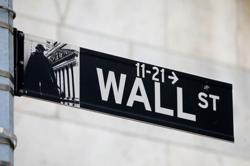 U.S. charges ex-Wall Street quantitative analyst with insider trading