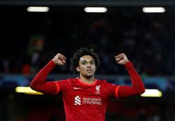Soccer-Liverpool's Alexander-Arnold and Firmino set to return against Brentford