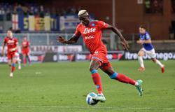 Soccer-Top dogs Napoli crush Sampdoria to continue perfect start