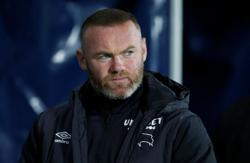 Soccer-Rooney vows to stay at Derby despite club entering administration