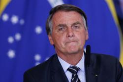 Bolsonaro says UK's Johnson sought 'emergency' food deal with Brazil