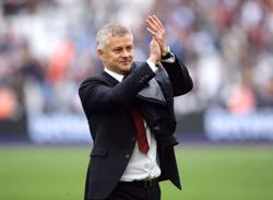 Soccer - Certain manager costing us penalties, says United's Solskjaer