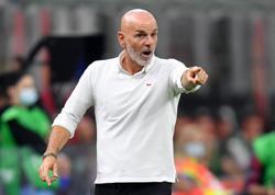 Soccer - Milan boss Pioli ready for intense battle against Spezia