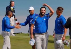 Golf-United States overwhelm Europe to grab control of Ryder Cup