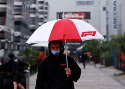 Motor racing-Russian F1 qualifying goes ahead after heavy rain