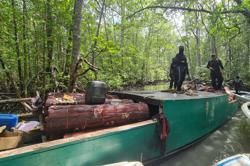 Police find abandoned boat with 10,000kg of tangar tree bark