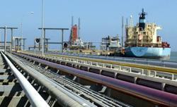 Exclusive-Under U.S. sanctions, Iran and Venezuela strike oil export deal - sources
