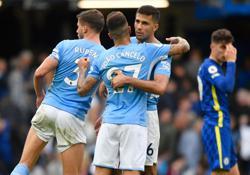 Soccer-Jesus goal earns Manchester City win over Chelsea