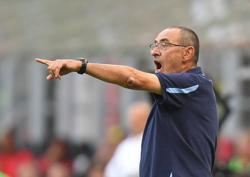 Soccer-More pressure in third division than before Rome Derby - Lazio's Sarri